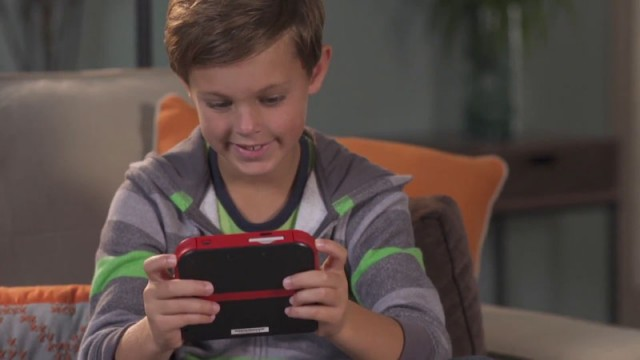 La console semble bien tenir en main.