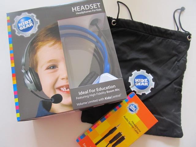 Les écouteurs sont vendus avec pas mal d'accessoires.