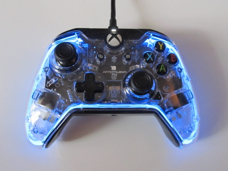 test afterglow prismatic controller pour xbox one une manette color e pixelsprite. Black Bedroom Furniture Sets. Home Design Ideas