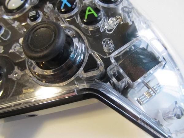 Test – Afterglow Prismatic Controller pour Xbox One : une manette colorée