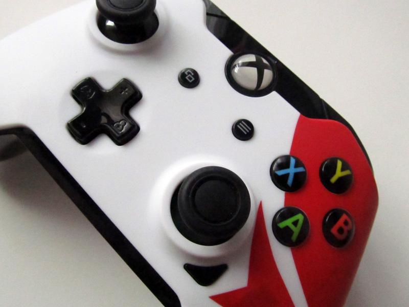 Test – Manette Xbox One officielle de Mirror's Edge Catalyst (PDP)